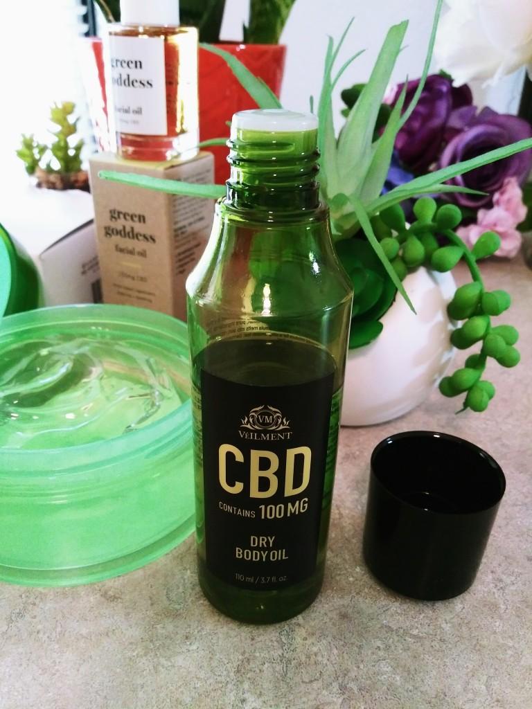 Veilment CBD Dry Body Oil from Avon