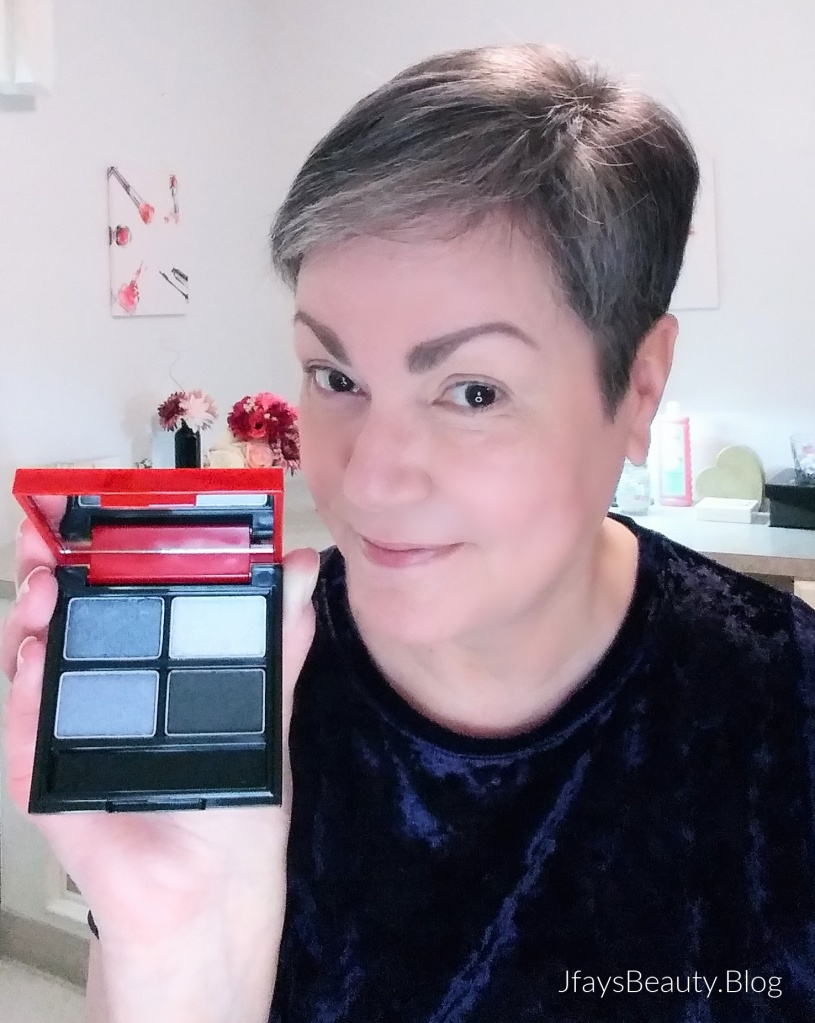 Trying Avon's fmg Glimmer Eyeshadow Quad in Vixen.